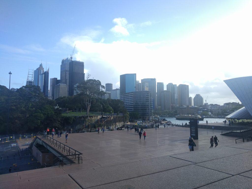 Centre de Sydney vu depuis le parvis de l'Opéra