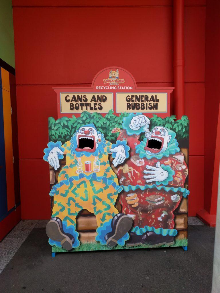 Poubelles du Luna Park