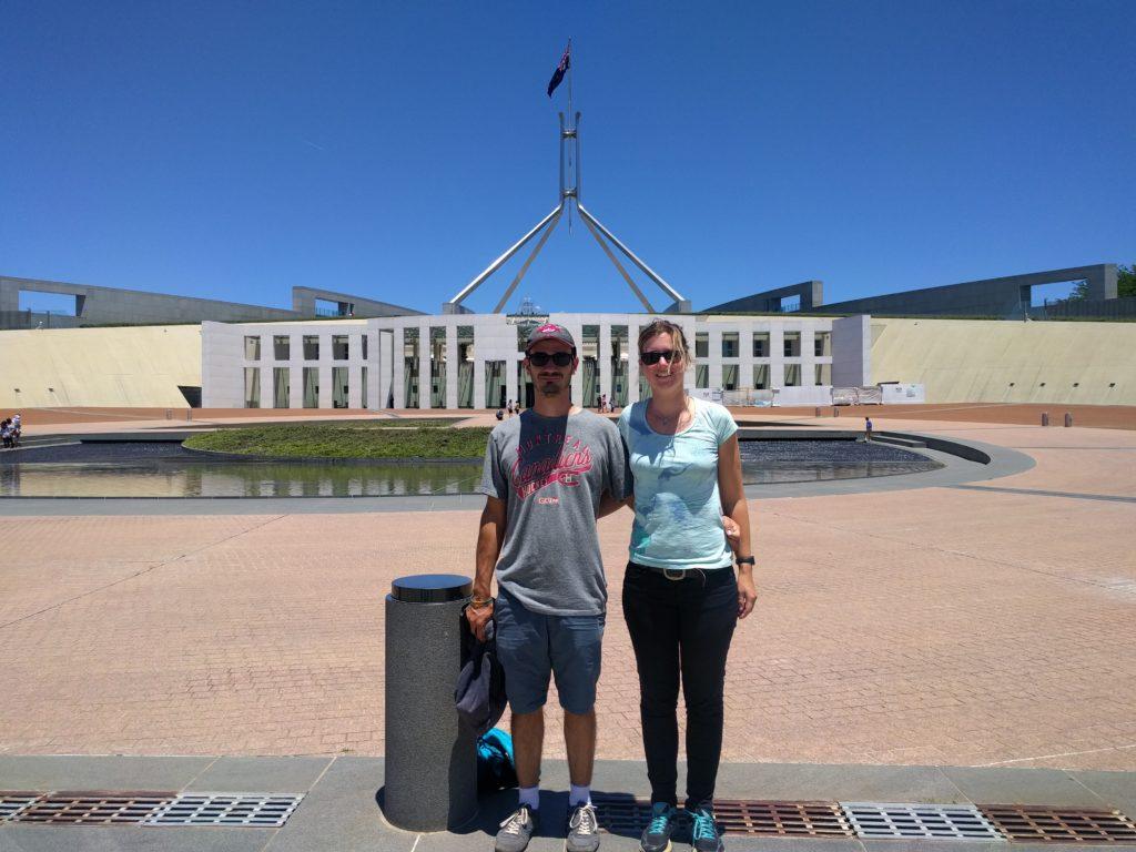 Devant la maison du parlement