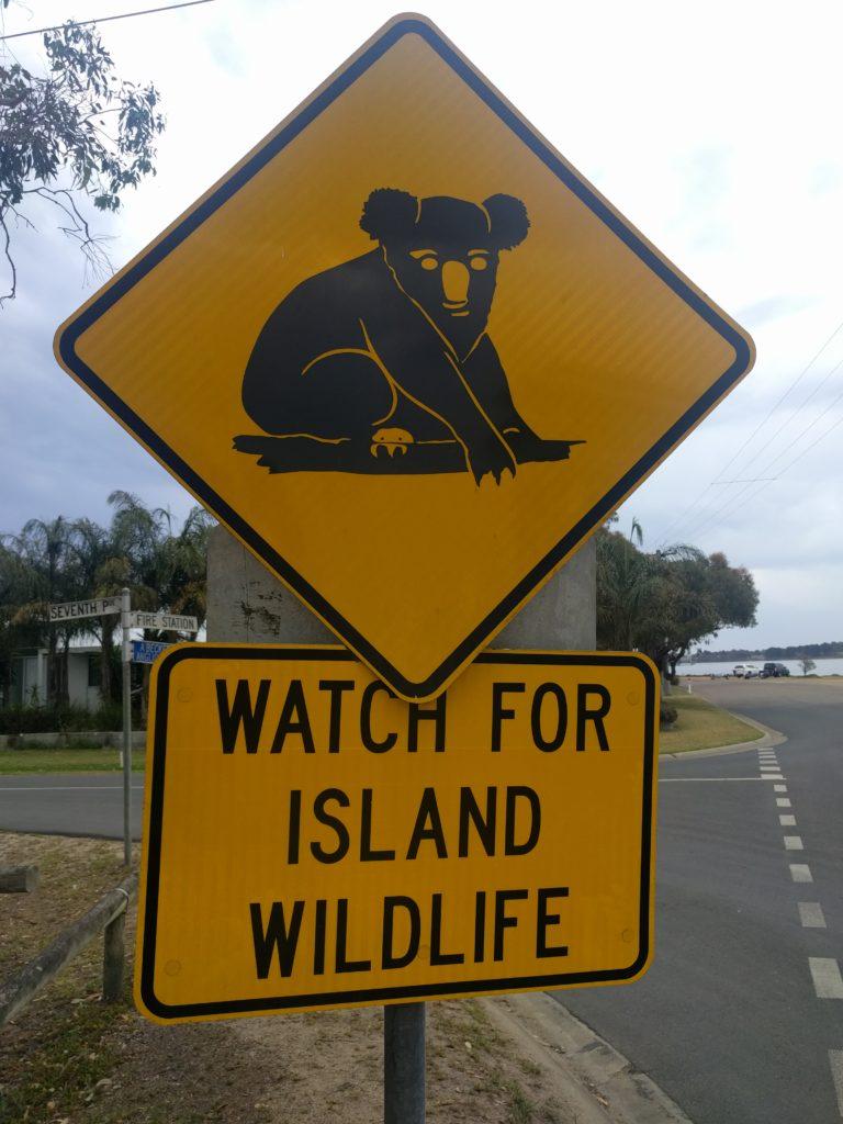 Panneau routier sur Raymond Island