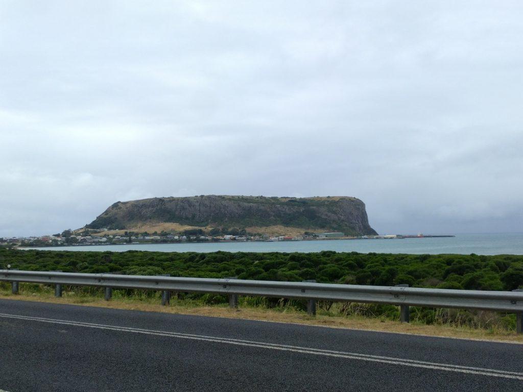 Le rocher et le village de Stanley
