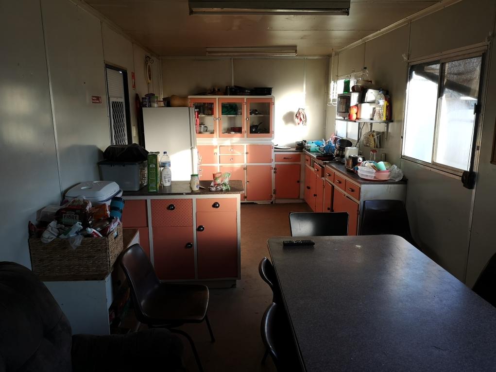 Dans le même bâtiment, la cuisine