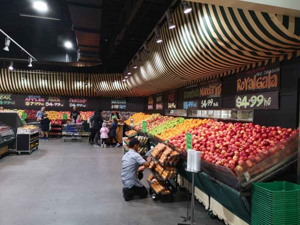 Le rayon des fruits du Farmers Market
