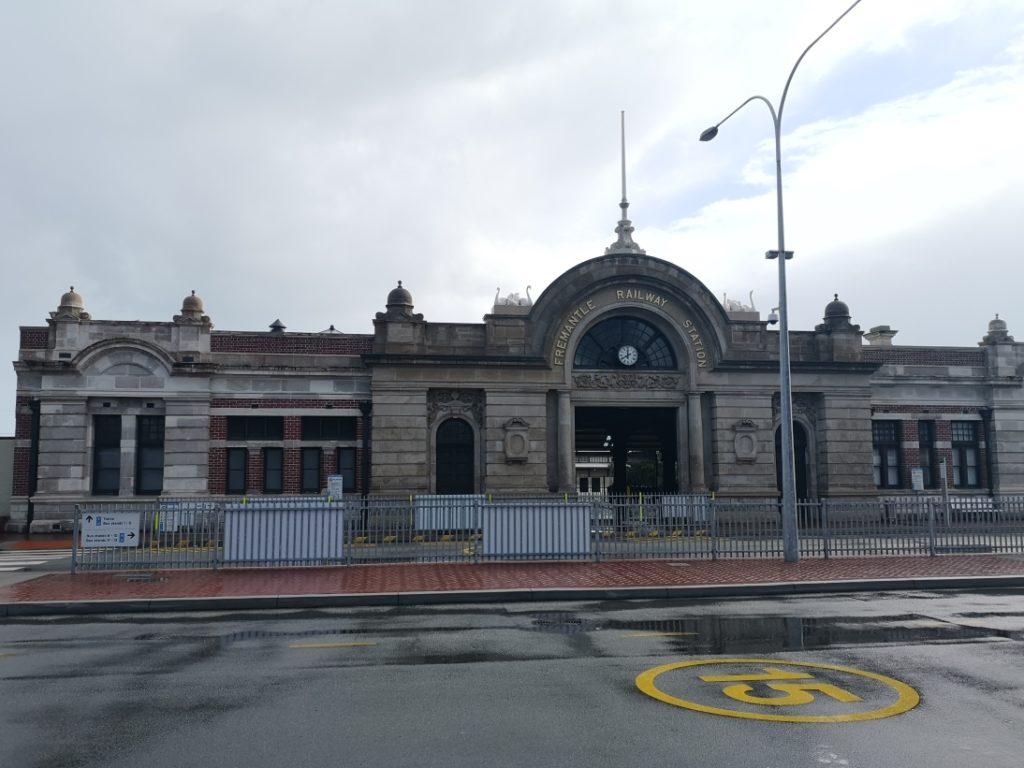 Gare de Fremantle sous un beau soleil