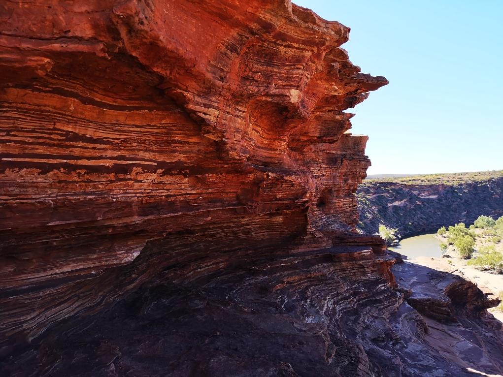 Une roche aux couleur étonnantes