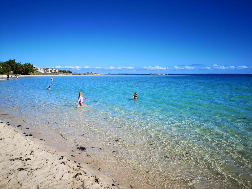 Plage paradisiaque de Coral Bay
