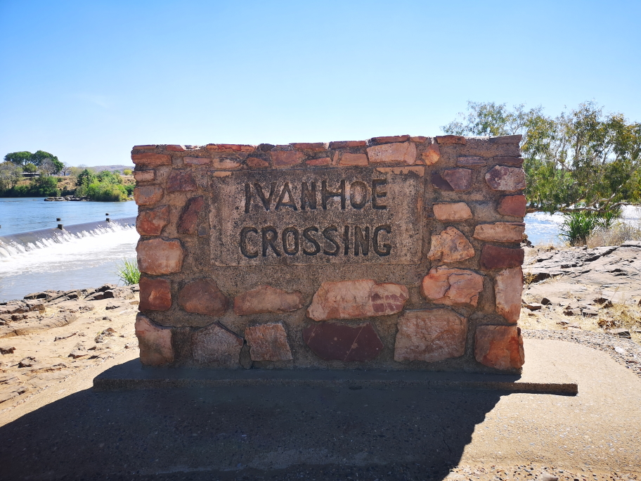 Panneau Ivanhoe Crossing