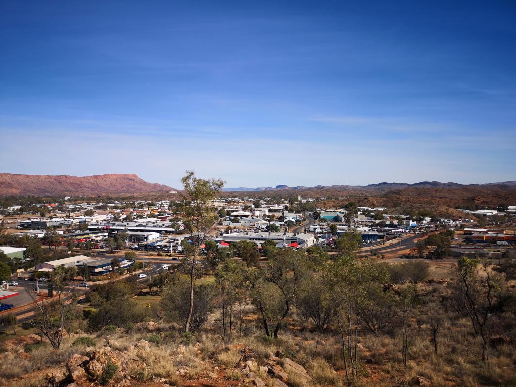 Vue de la ville d'Alice Springs orientée Ouest
