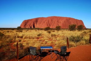 C'est l'heure de l'apéro devant l'Uluru