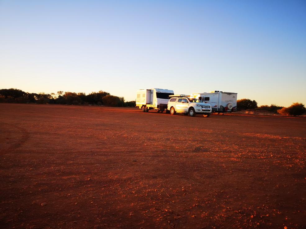 Aperçu de l'ambiance que nous pouvions avoir le soir autour de notre van sur une aire de repos