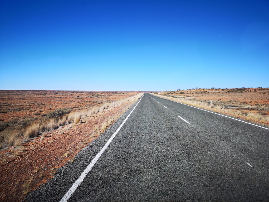La route la plus ennuyeuse d'Australie... Peut-être du monde ?