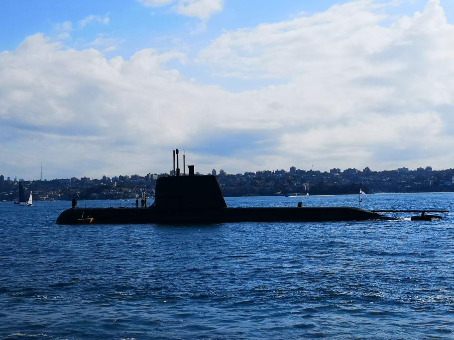 Un sous-marin dans le port de Sydney