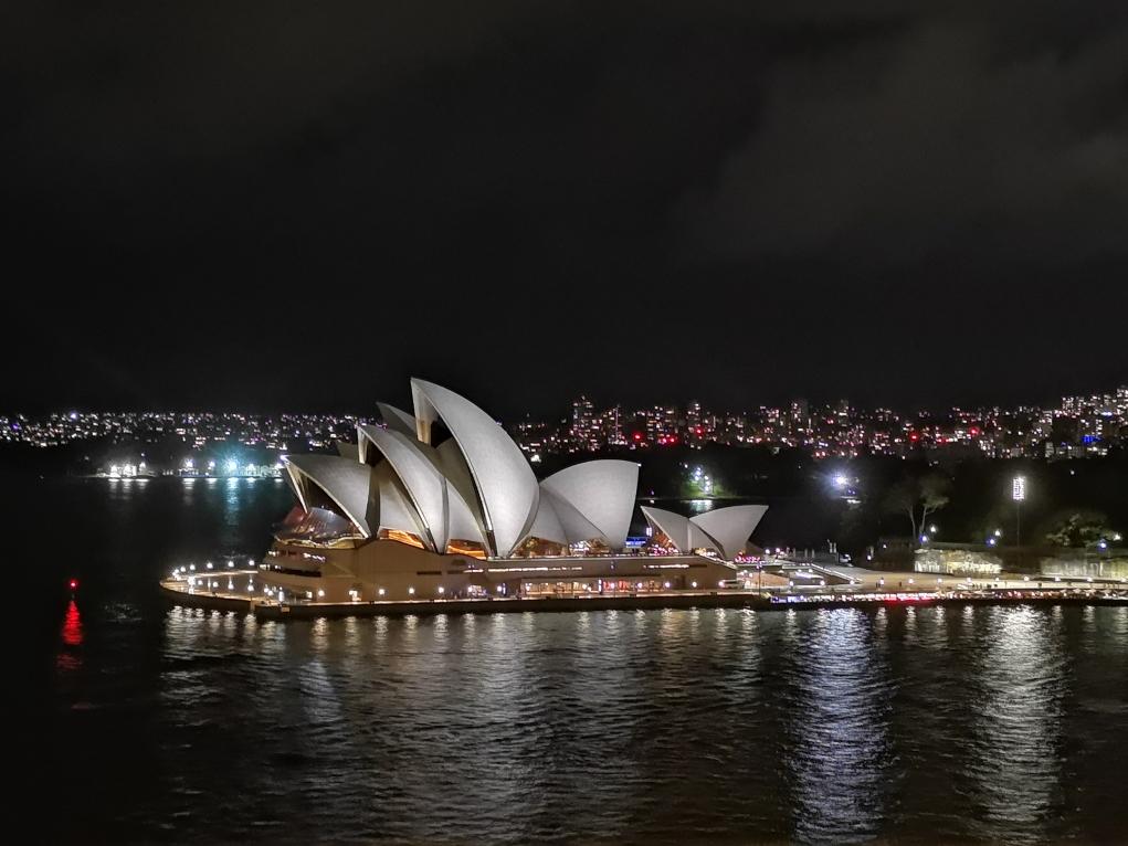 Un passage de nuit sur le Harbour Bridge pour une belle vue sur l'Opéra