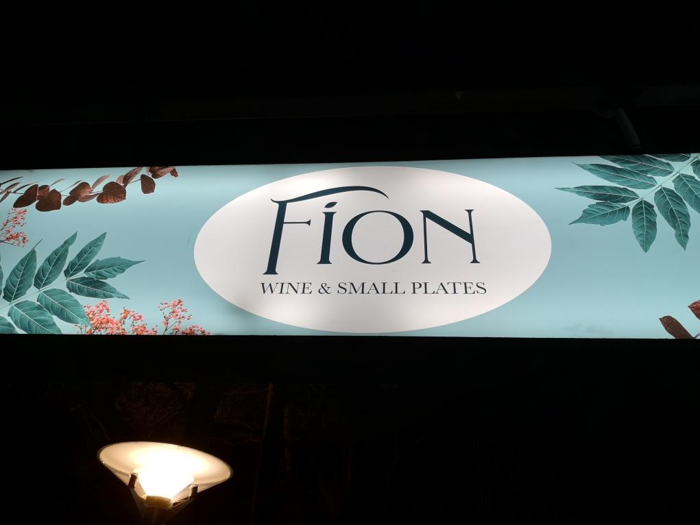Oui ben euh.. Certaines boutiques ont un nom étrange