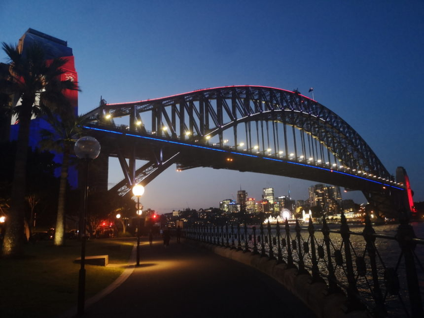 Le Harbour Bridge vu du dessous, quartier The Rocks