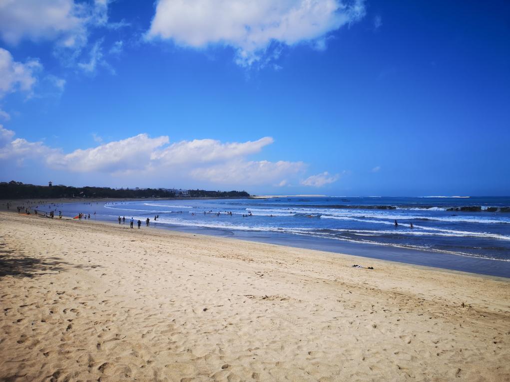 La plage de Kuta, redevenue beaucoup plus calme à cette heure-ci de la journée