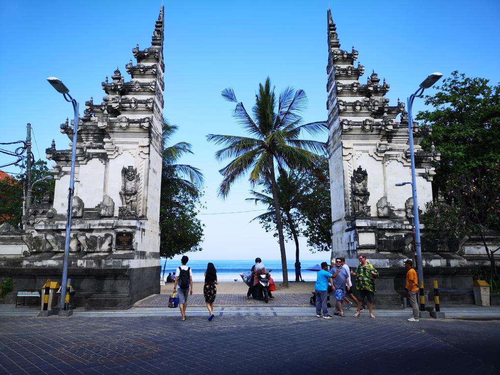 Porte de la plage de Kuta