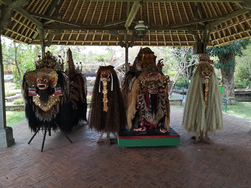 Les costumes du Barong et de la Rangda