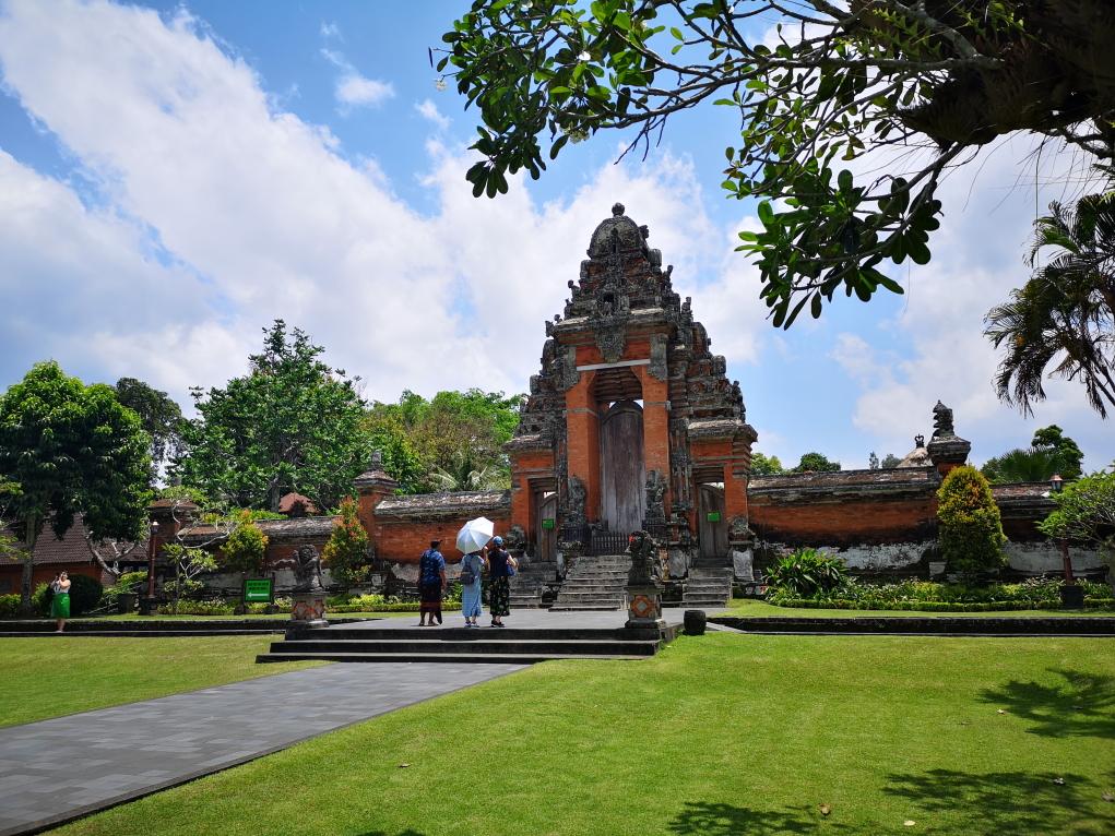 2e partie du temple avec la porte vers la 3e partie