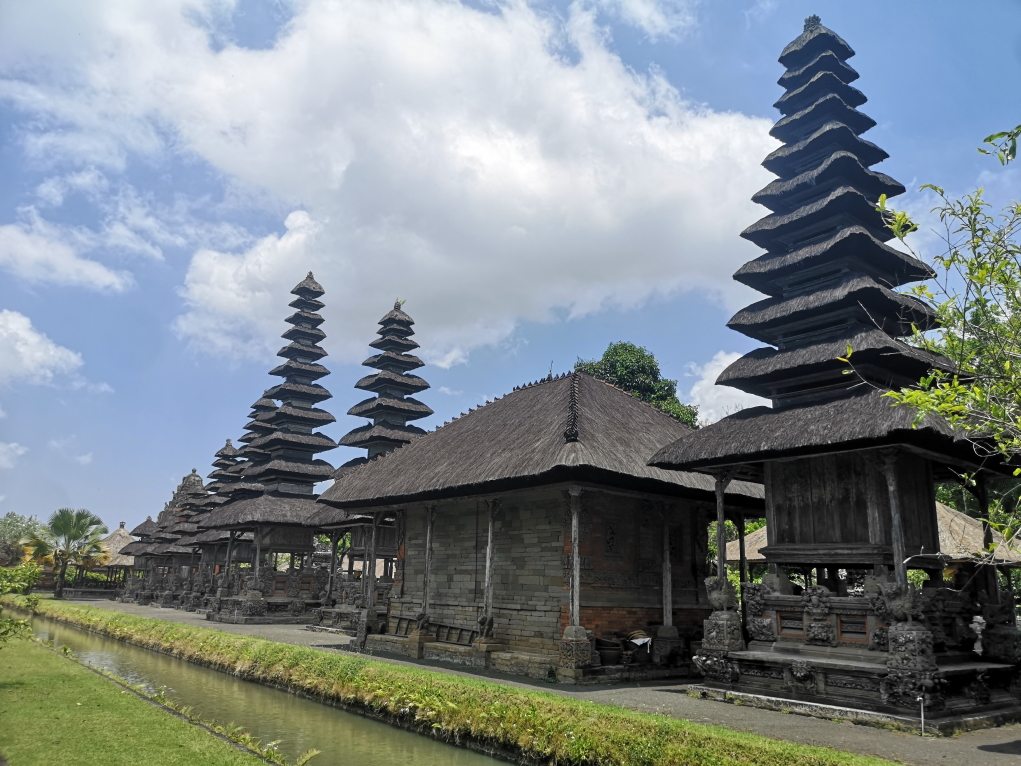 3e partie du temple vue du côté