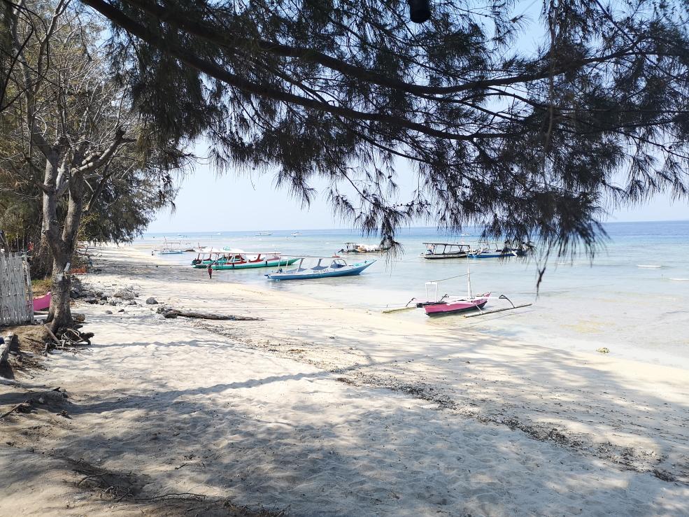 Plage de l'Est de Gili Air - lieu de plongée masque/tuba idéal