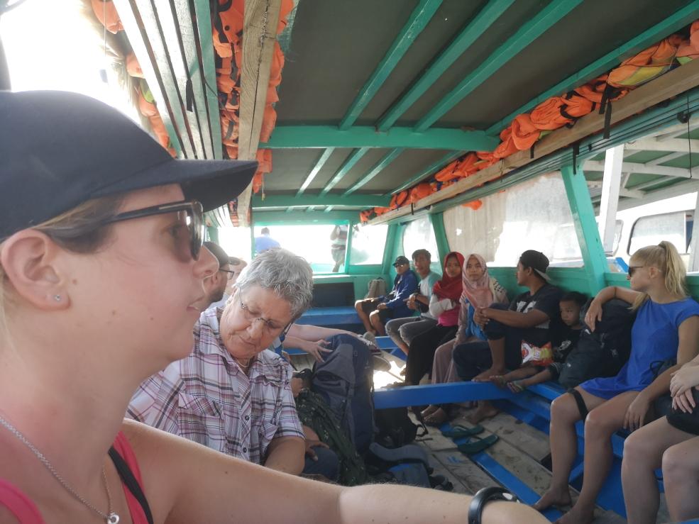 Le bateau local qui nous emmène vers Bangsal. Nous avions eu le même pour le trajet inter-îles