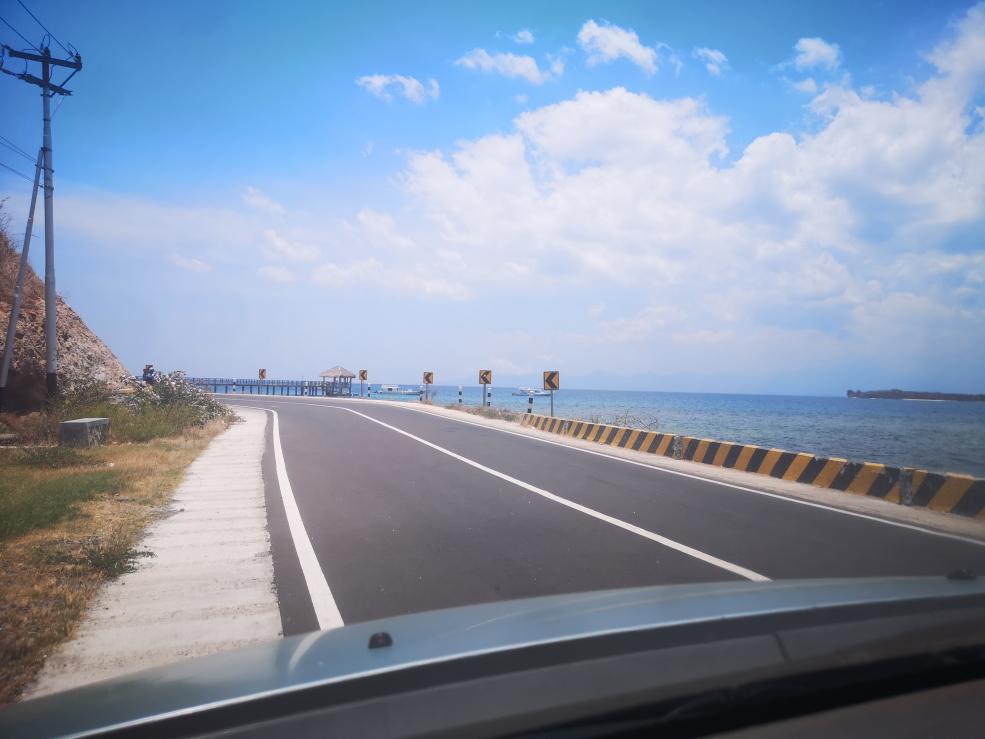 Nous longeons la côte en direction de Pantai Kores
