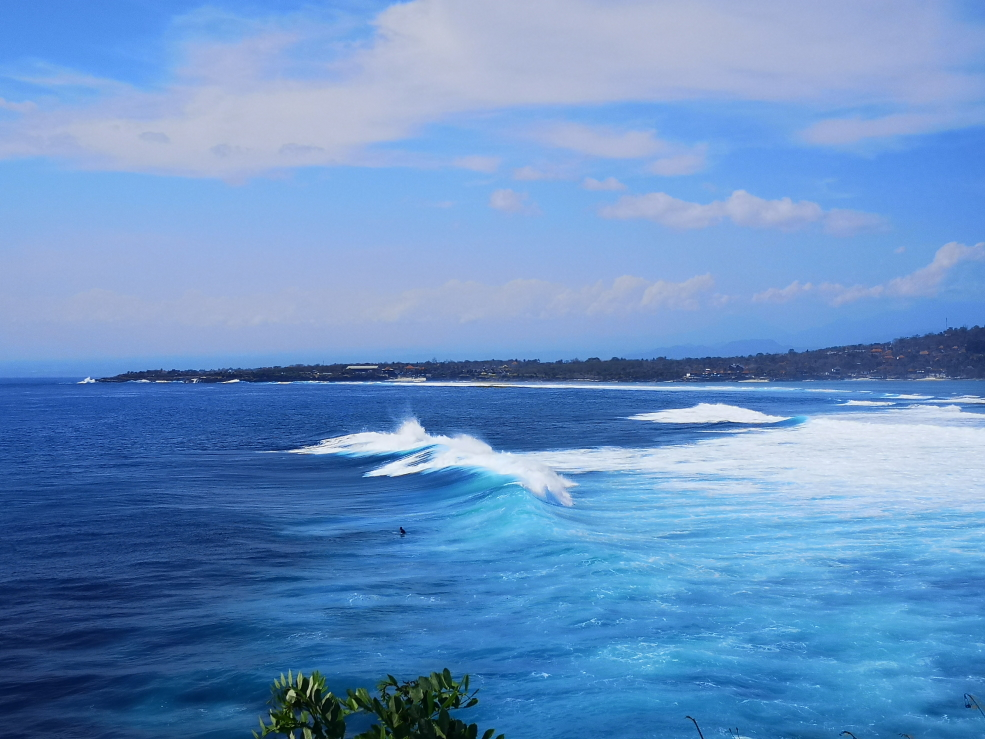 Vagues au large de Secret Point, Nusa Ceningan