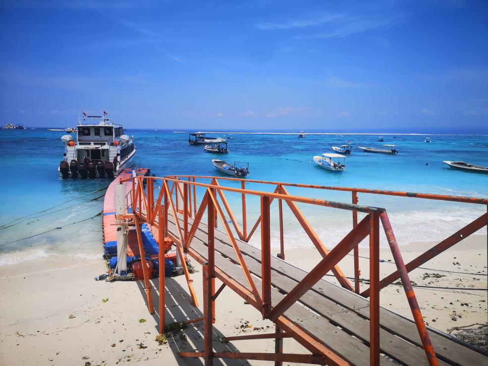 Embarcadère sur la plage principale de Nusa Lembongan