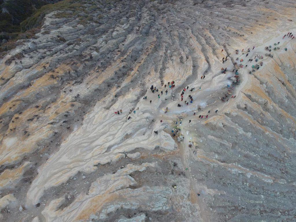 Vue aérienne de l'arrête du cratère - Photo de Bruno