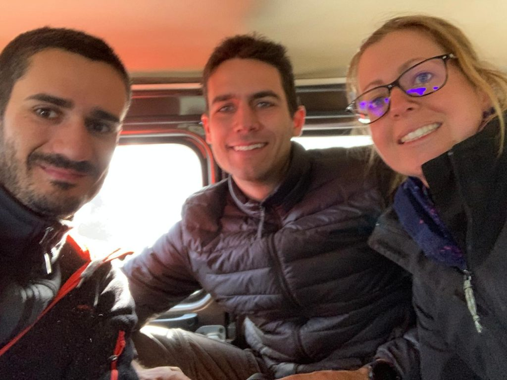 Nous avec Bruno dans la Jeep au Mont Bromo - Photo de Bruno