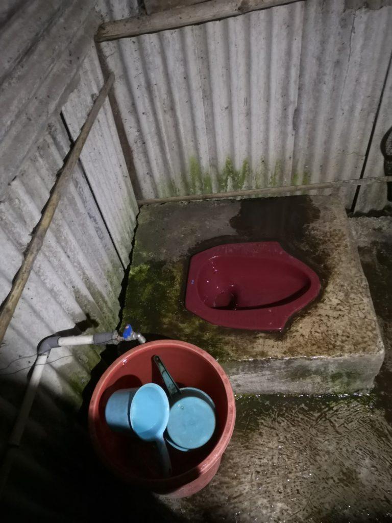 Les toilettes deluxe avant de grimper au Kawah Ijen