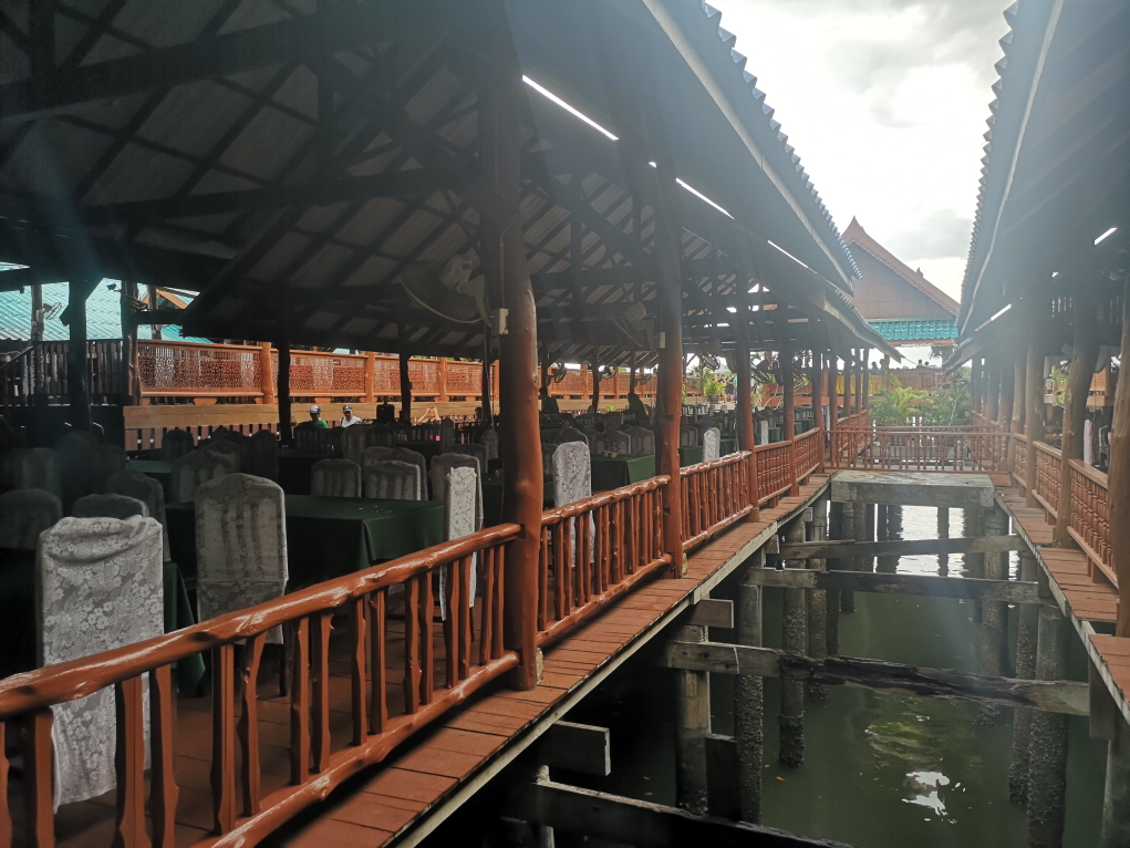 Le restaurant à Kanyi Island