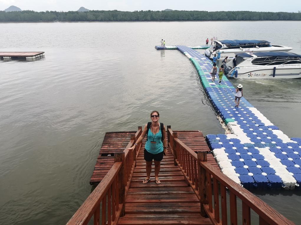 Laura prête à repartir sur le bateau