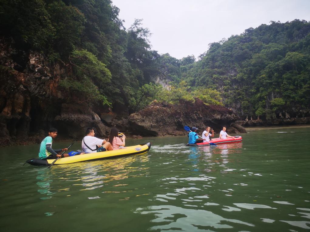 D'autres couples sur kayak