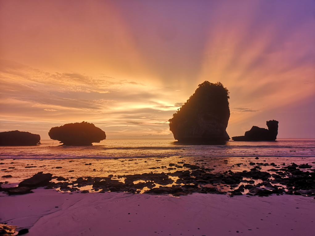 Coucher de soleil sur Nui Beach