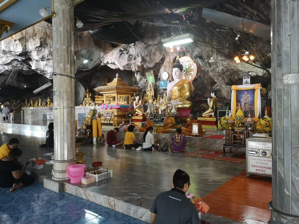 Le temple vers la Grotte du Tigre
