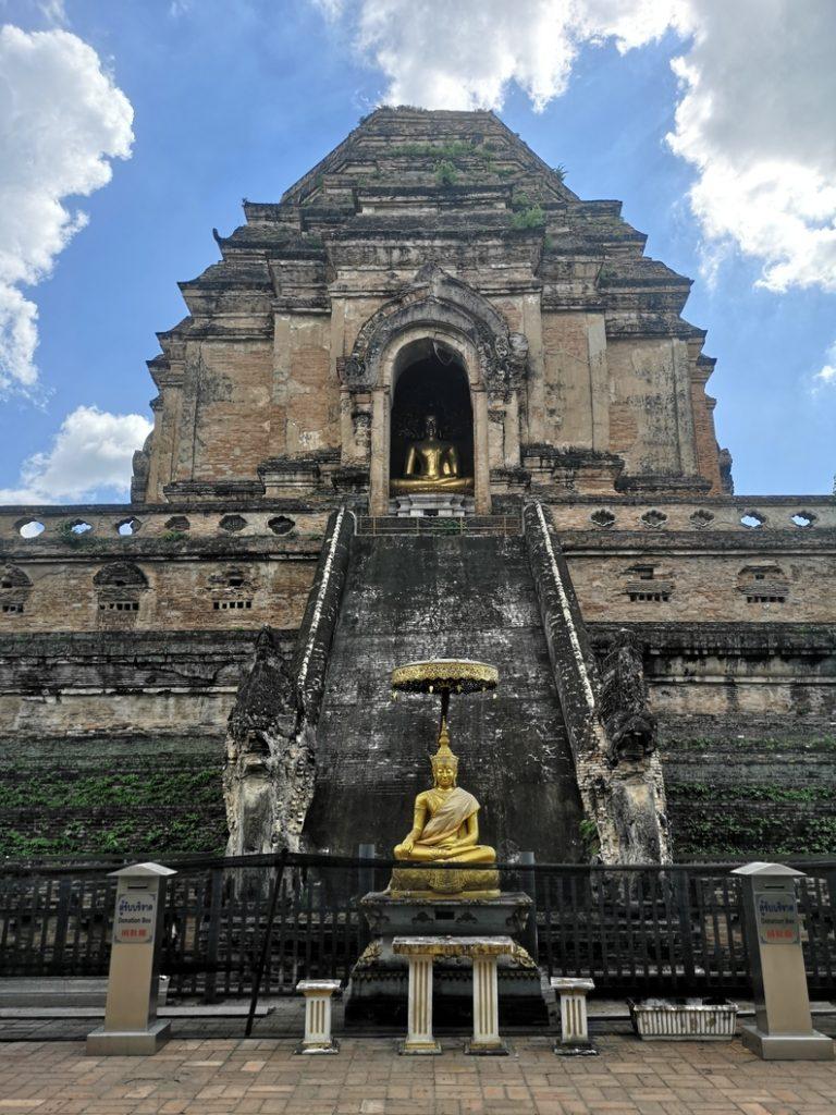 Le chedi du Wat Chedi Luang