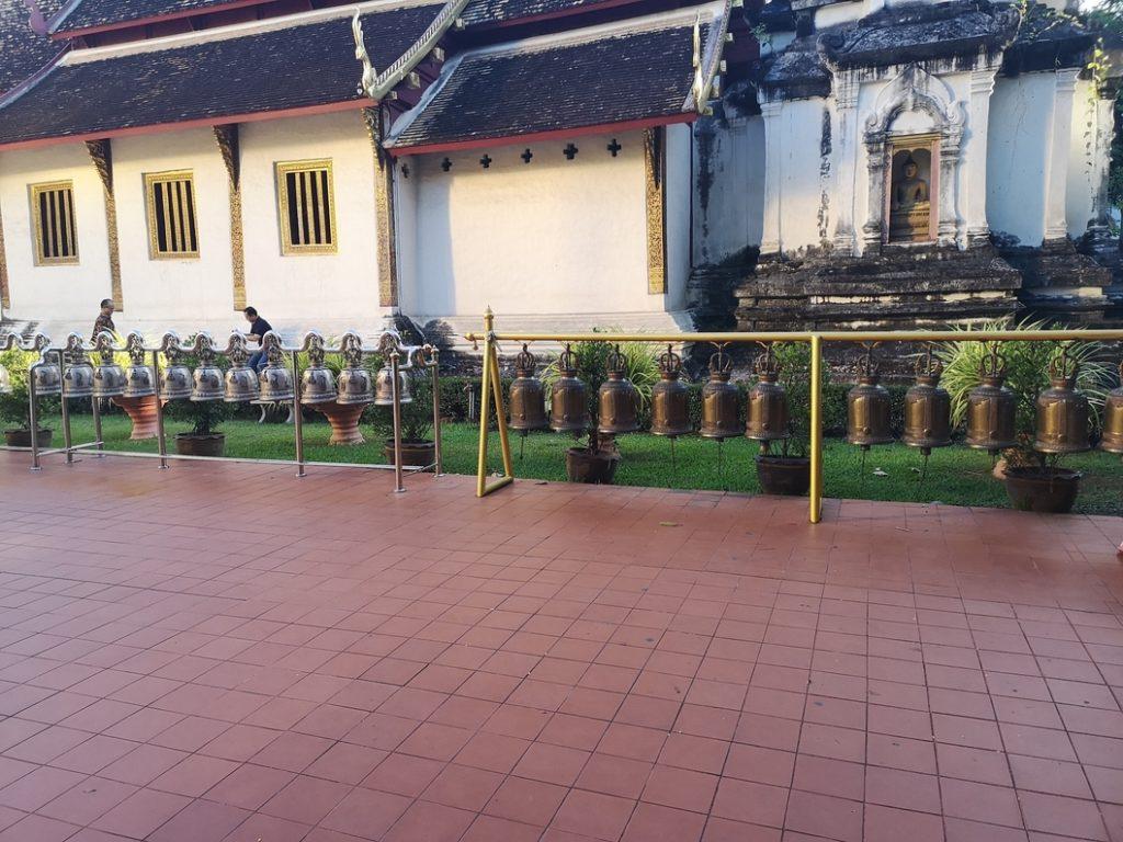 Cour du Wat Phra Singh