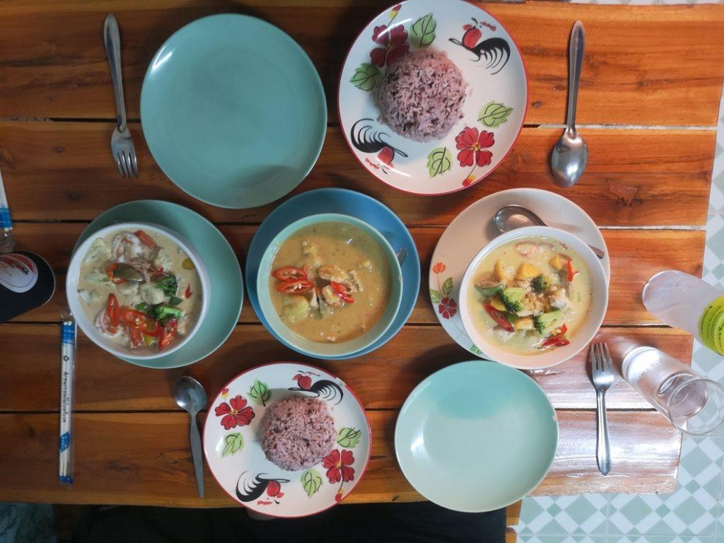 Cooking Love: Curry de crevettes à la Banane,  Poulet en curry Massaman et curry de Poulet à la mangue