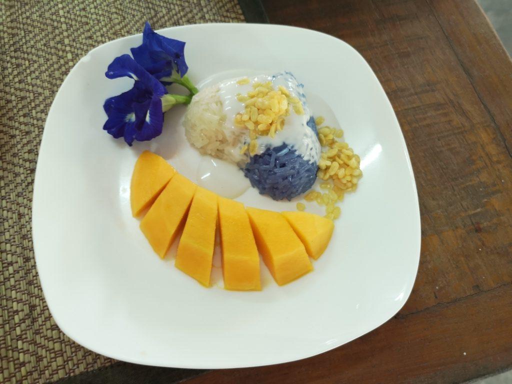 Sticky rice with Mango