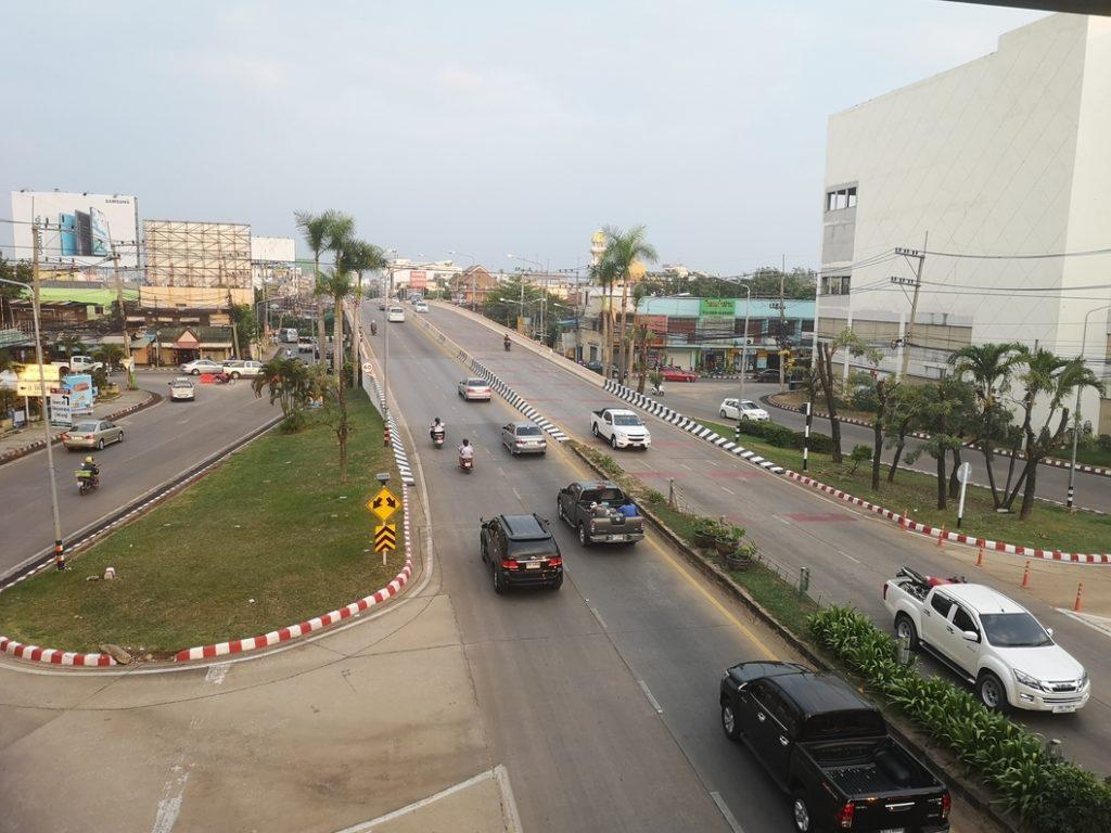 Vue sur la voie rapide à côté de notre hôtel