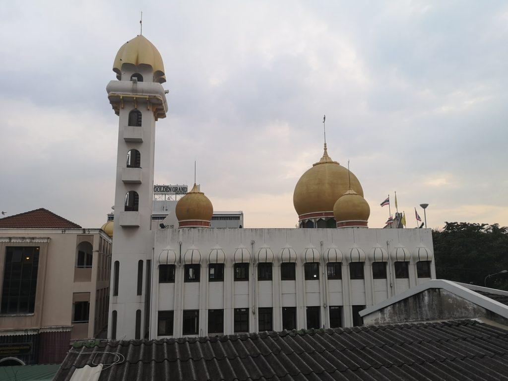 Vue sur la Mosquée depuis le pas de notre porte