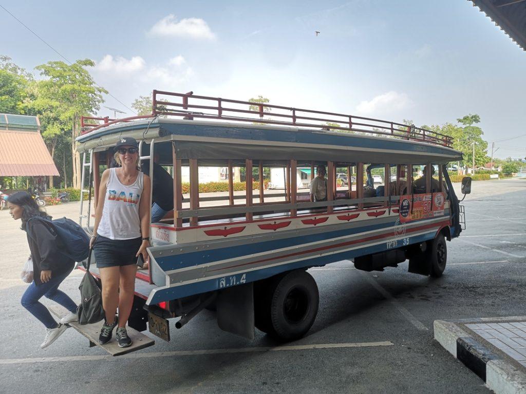 """Le """"bus"""" local qui permet de se déplacer de la gare routière au parc historique"""