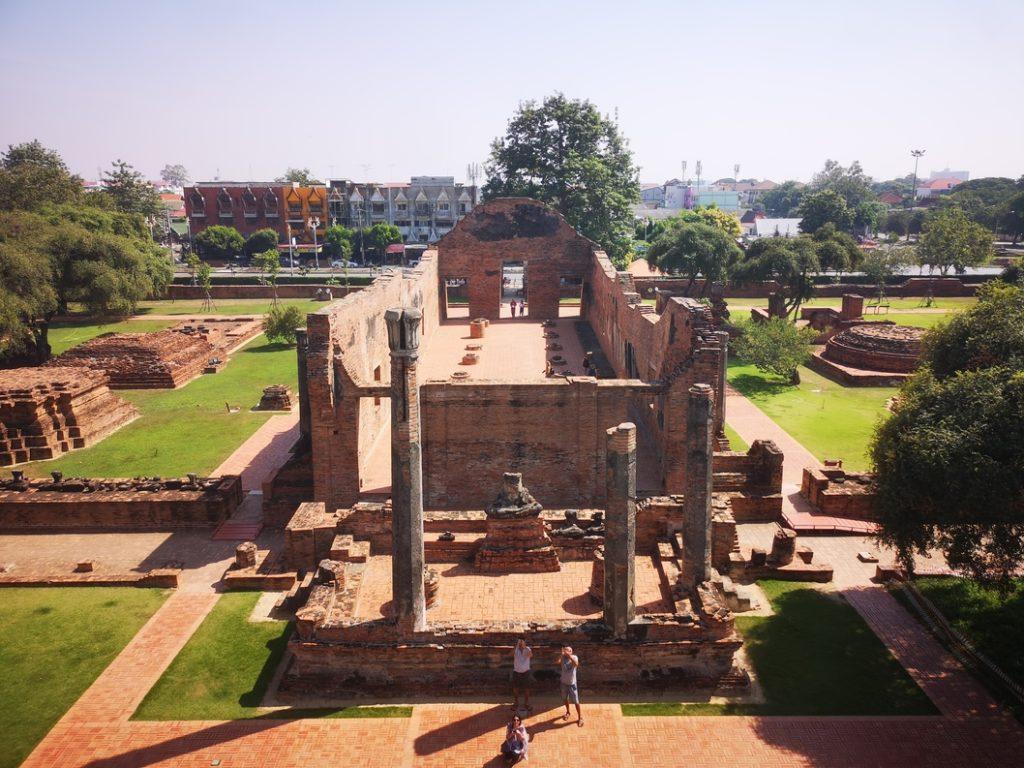 Vue depuis le chedi du Wat Ratcha Burana