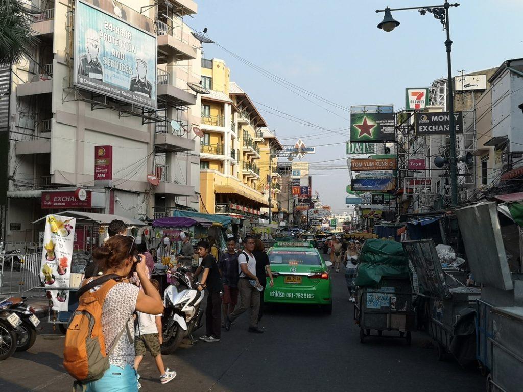 Kao San Road, la rue la plus célèbre de Bangkok chez les touristes