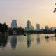 Coucher de soleil sur le lac du Lumpini Park