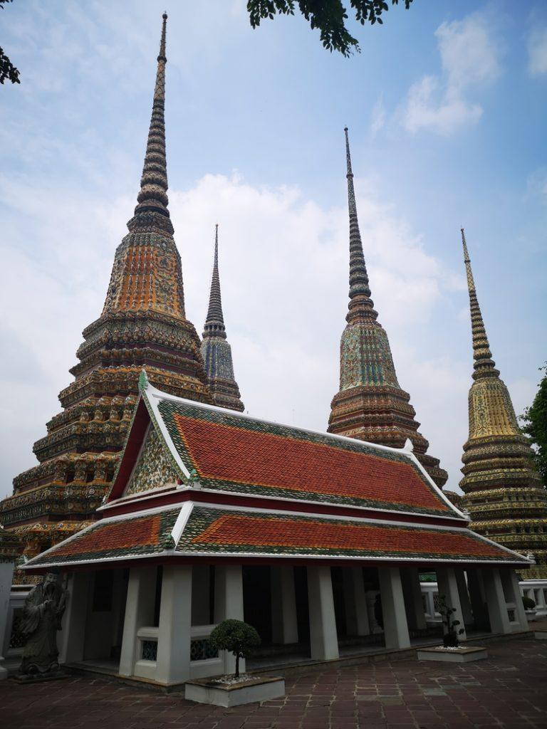 Toitures de certains bâtiments du Wat Pho