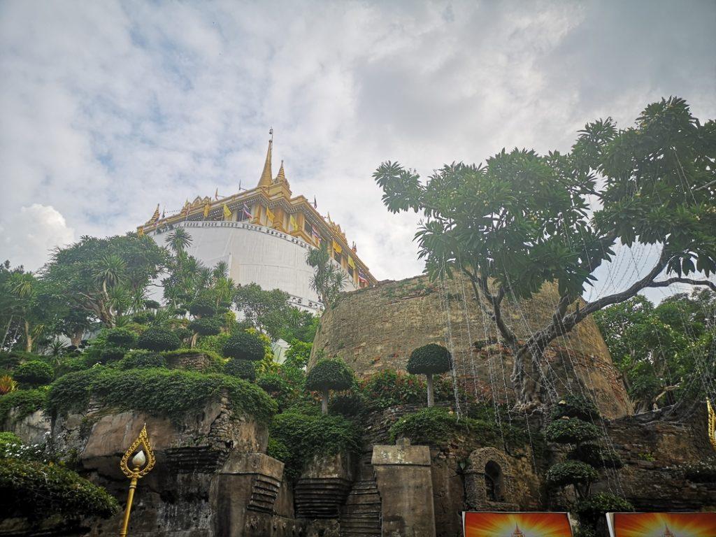 Le Golden Mount vu depuis son pied