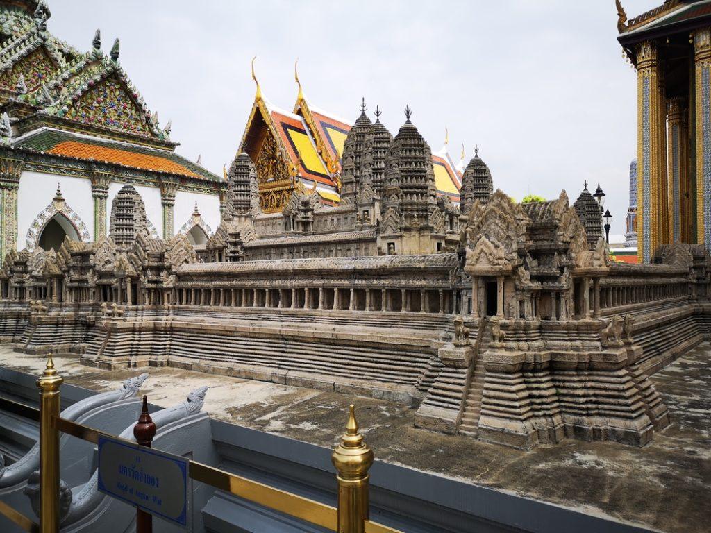 La maquette du temple d'Angkor Vat, offerte par le roi du Cambodge au roi de Thaïlande